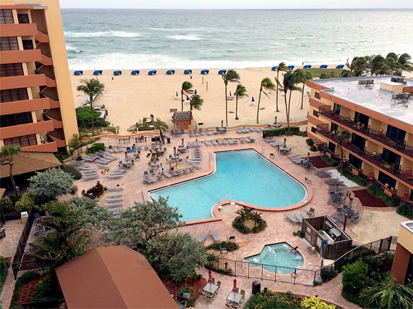 Pompano Beach Condo Als Outdoor Pool And Hot Tub
